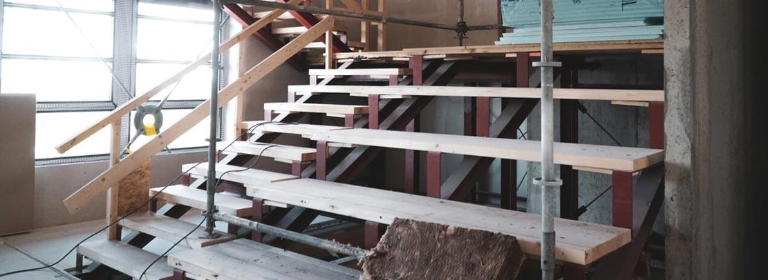 Treppe im modernen Innenausbauart